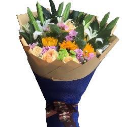 衷心祝你快乐到永远/5支向日葵,4支香水白百合玫瑰