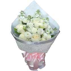 此生此世共缠绵/11支白色玫瑰