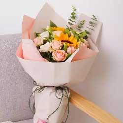 生活甜甜蜜蜜/13枝玫瑰向日葵