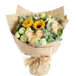 健康快乐一生相伴/11枝香槟玫瑰,2枝向日葵