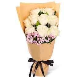美丽的歌/9枝白色玫瑰