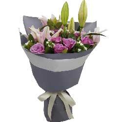 共同创造未来/11支紫色玫瑰,2支多头粉色百合