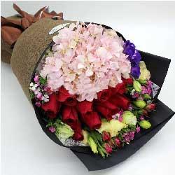 爱一生一世永不移/2只粉色绣球,11枝红色玫瑰