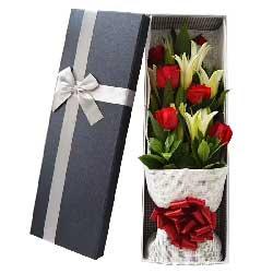 时刻想你/6枝玫瑰,2枝百合礼盒