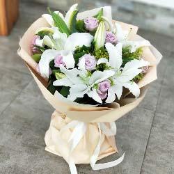 9支紫玫瑰/对你的爱一生不变
