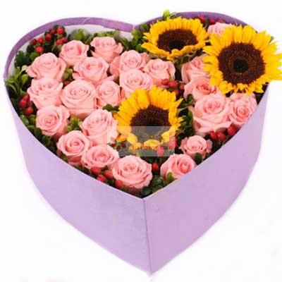 22朵戴安娜玫瑰,3朵向日葵,礼盒装,最真诚的祝福