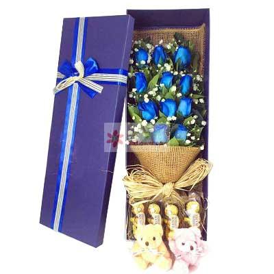 11朵蓝色玫瑰,12颗巧克力,鲜花代表我的心