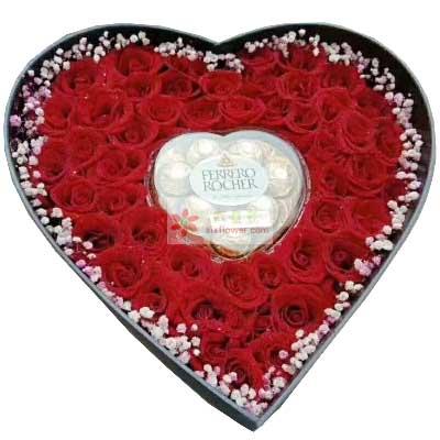 99朵红玫瑰,8颗费罗列巧克力礼盒装,情爱到永久
