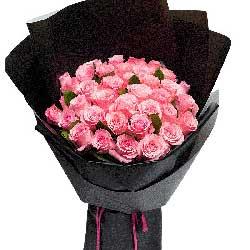 32朵戴安娜粉玫瑰,我们的爱永远美丽青春