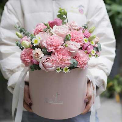 8朵粉玫瑰,11朵粉色康乃馨,花桶礼盒,我最亲的您