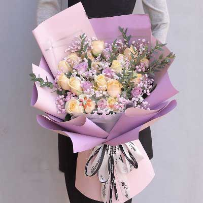 19朵香槟玫瑰,11朵紫玫瑰,牵肠挂肚