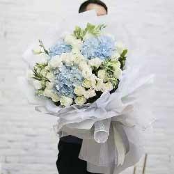 30朵白玫瑰,12朵白色桔梗,千言万语的爱