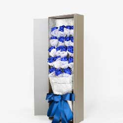 潇洒的爱意/19枝蓝色玫瑰