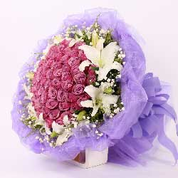 66朵紫玫瑰,12朵白色百合,此生不变