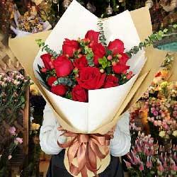 12朵红玫瑰,天天思念你