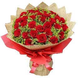 33朵红色玫瑰,幸福一生多快乐