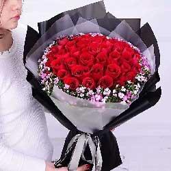 爱不停/33枝红色玫瑰