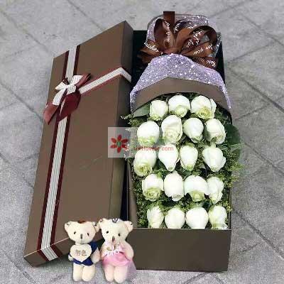 有你才完整/19支白色玫瑰礼盒