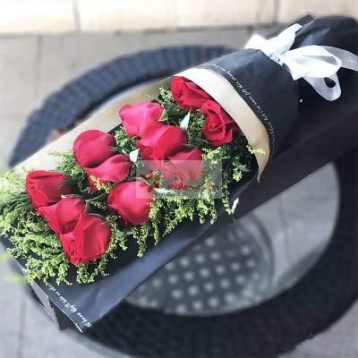 11朵红玫瑰,礼盒装,无限的爱握在你我手心
