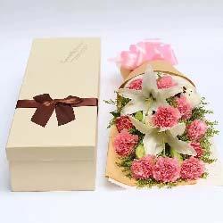母爱的温暖/11枝康乃馨百合礼盒