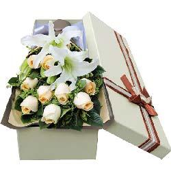 幸福源泉/12枝香槟玫瑰礼盒