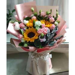爱关注着你/3枝向日葵,11枝戴安娜玫瑰