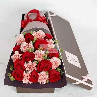 11支红玫瑰,11支粉色康乃馨/牵挂你