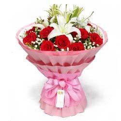 11支红玫瑰,2支多头白百合/一生的最爱