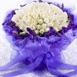 99朵白玫瑰,只要有你相伴,是我一生的心愿