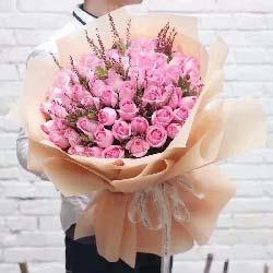 52枝戴安娜玫瑰/默默地想念你、爱你