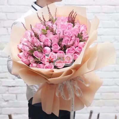 52支戴安娜玫瑰/默默地想念你、爱你