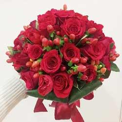 19朵红玫瑰,红豆丰满,手捧花快乐到永远!
