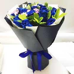 11朵蓝玫瑰,说一声好爱你