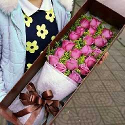19朵紫玫瑰,彼此牵手一辈子