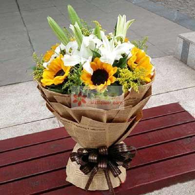 6朵向日葵,2支多头百合,岁岁幸福平安