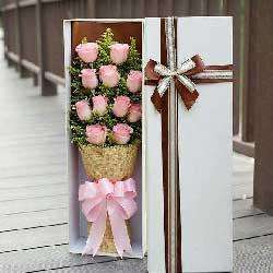 11朵戴安娜玫瑰礼盒,爱你我很幸福