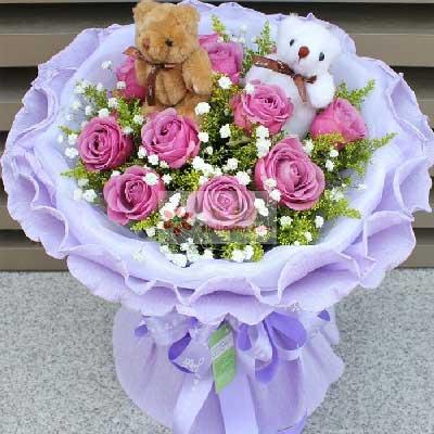 11朵紫玫瑰,满天星/陪你到永远
