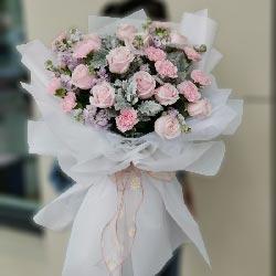 11朵戴安娜粉玫瑰康乃馨,幸福久远