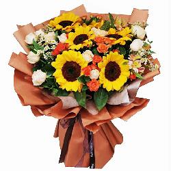 6朵向日葵,11朵香槟玫瑰,有幸与你相伴