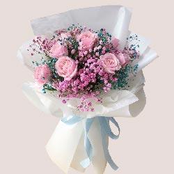 9朵戴安娜粉玫瑰,静静地靠着你