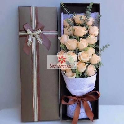 20朵香槟玫瑰礼盒,爱情美满幸福