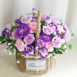 11朵紫玫瑰,11朵粉色康乃馨,感谢一路上陪有你相伴