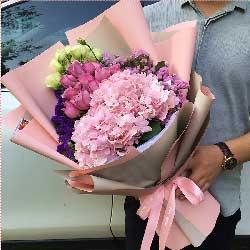 11朵紫玫瑰,3朵粉色绣球花,爱情幸福第一