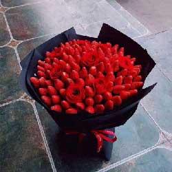 99颗草莓,9朵红玫瑰,甜蜜爱情