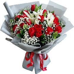 19朵红玫瑰,2支白色多头百合,你是我生命中最重要的人