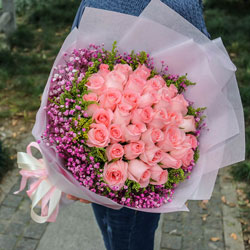 33朵戴安娜粉玫瑰,有你陪伴是我一生的浪漫