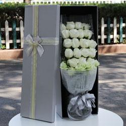 20朵白玫瑰,4朵桔梗,你是我人生最美的风景