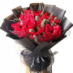 33朵红玫瑰,爱你爱得更深