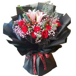 11朵红玫瑰,2支粉色多头百合,真的很喜欢你
