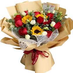 11朵红玫瑰,3朵向日葵,一生一世和你一起走